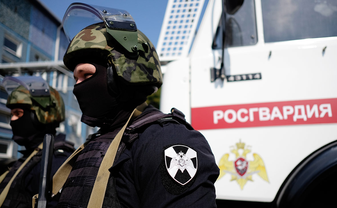 В Москве открылись первые участки для голосования росгвардейцев