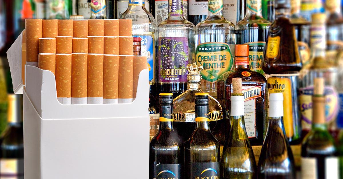 В России могут ввести налоговые сборы со сбыта алкоголя и сигарет