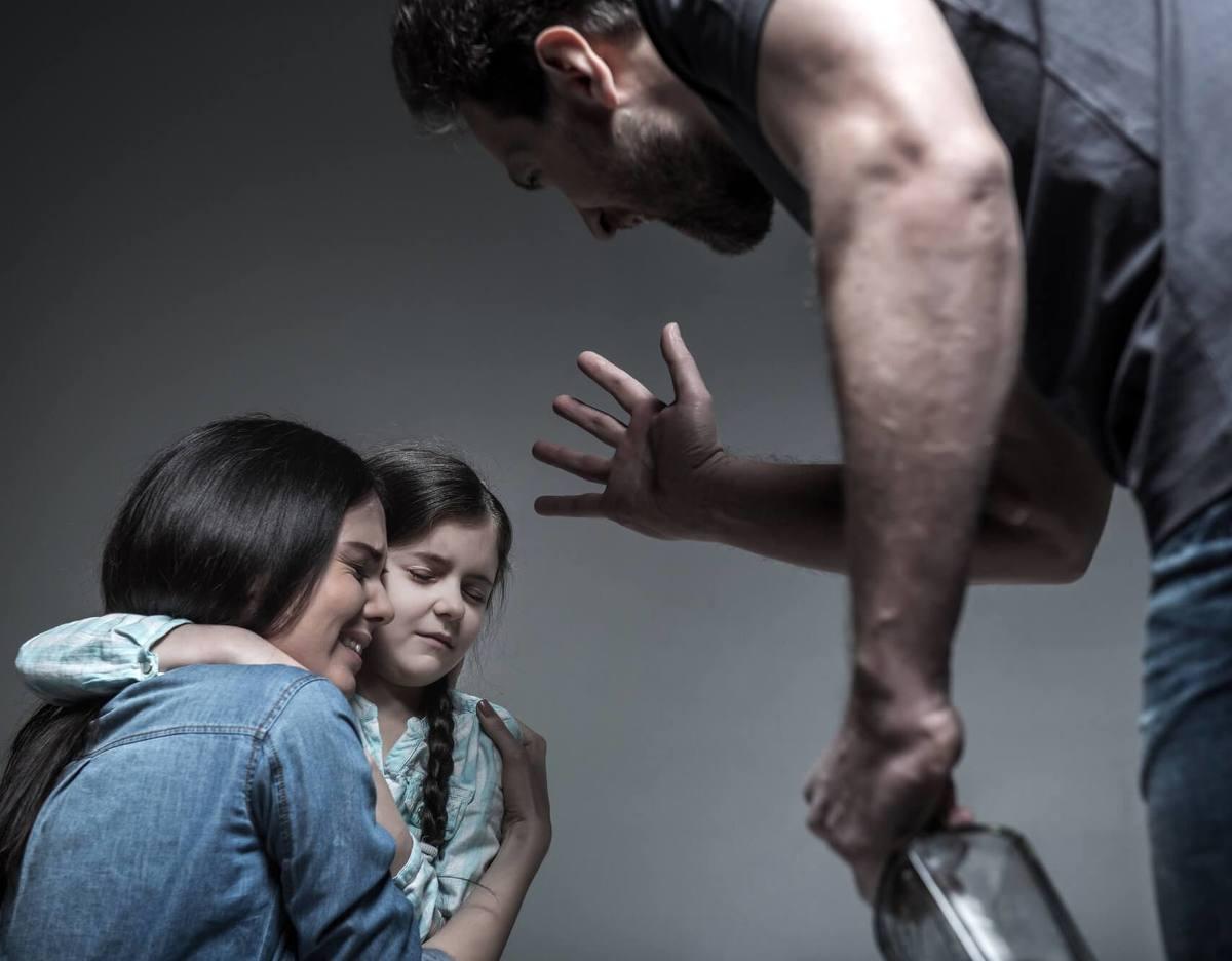Последствия домашнего насилия смогут победить мобильные технологии