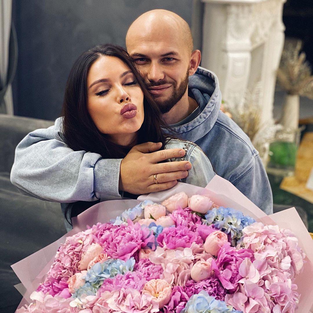 Подарок Джигана к 8 марта заставил Самойлову прослезиться