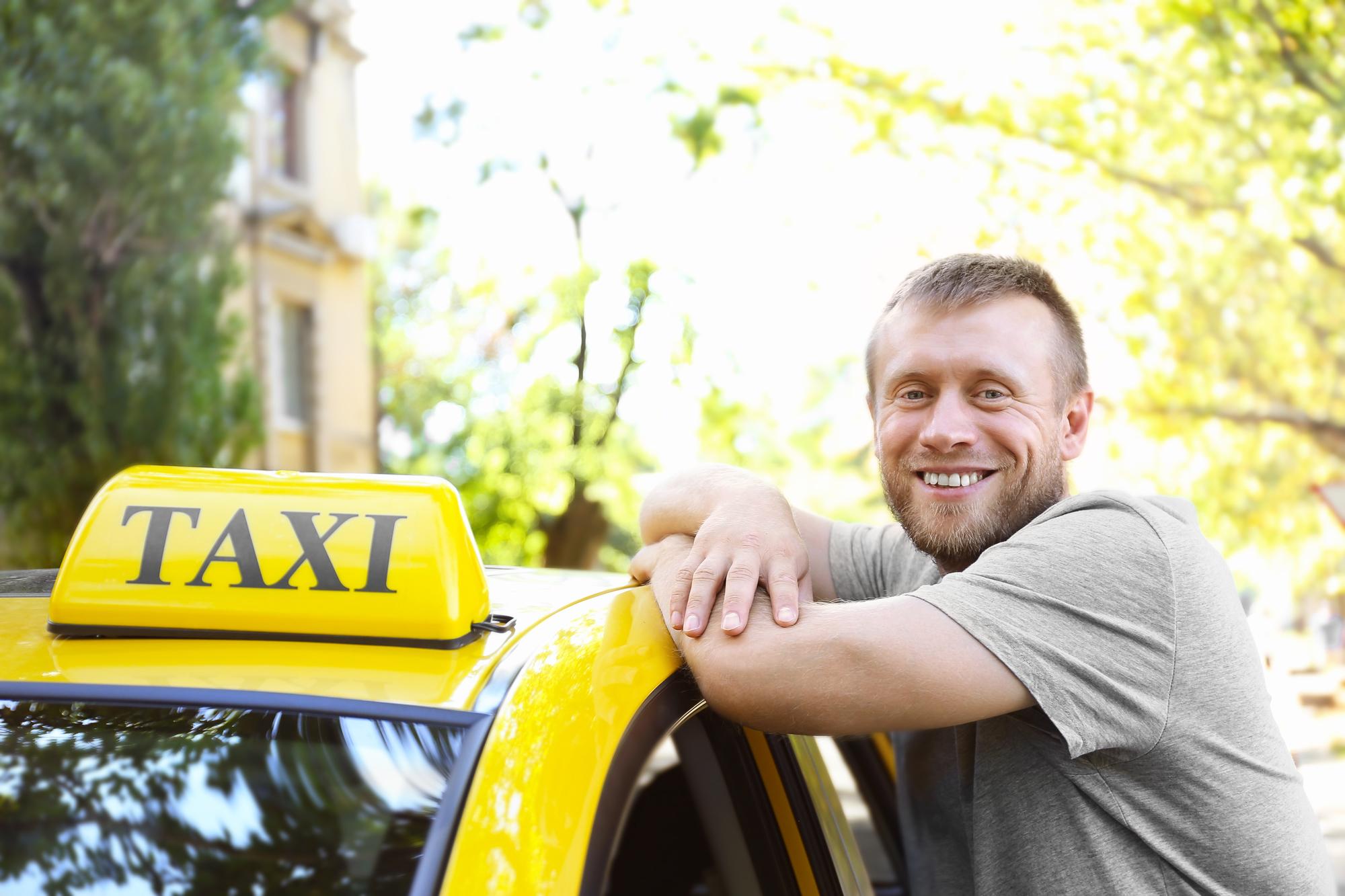 В РФ могут ввести новые ограничения для таксистов